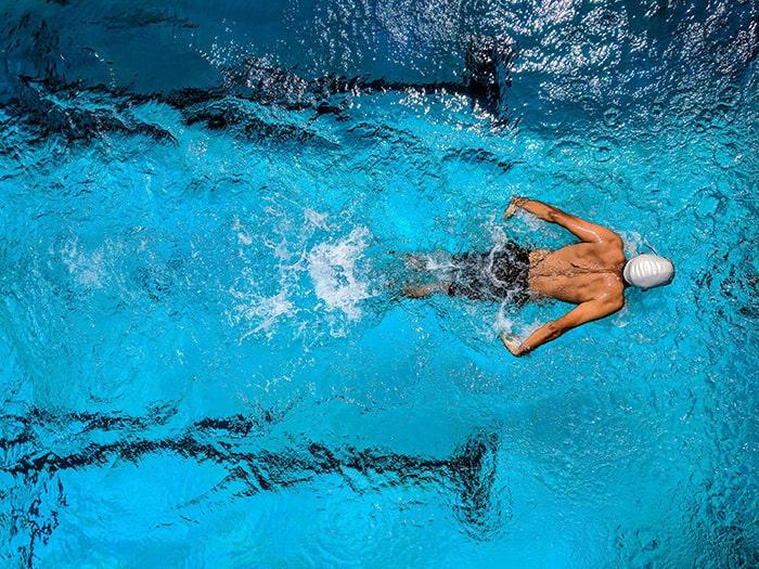 آب درمانی و ورزش در آب در اصفهان